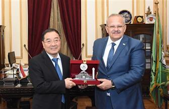 رئيس جامعة القاهرة يلتقي سفير الصين بالقاهرة لبحث التعاون مع الجامعات الصينية   صور