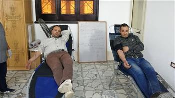 إقبال من مواطني السويس للتبرع بالدم لدعم العملية سيناء 2018 بكنيسة مارجرجس   صور
