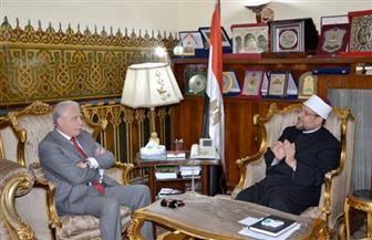 وزير الأوقاف ومحافظ جنوب سيناء يبحثان تطوير العمل بمركز الثقافة الإسلامية للغات بمسجد الصحابة