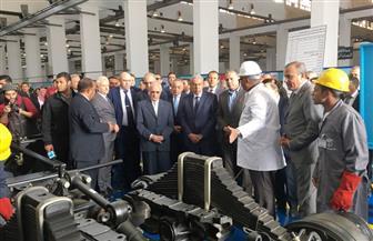"""وزراء التجارة والإنتاج الحربى والنقل يفتتحون خط إنتاج شاحنات بالتعاون مع """"ماز"""" البيلاروسية"""