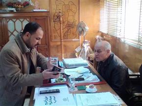 """رئيس مدينة المحلة يناقش مع الأهالي مشكلات نقص الخدمات بعزبتى """"غازى"""" و""""الجمل""""   صور"""
