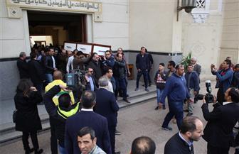 """قيادات وزارة الثقافة والسينمائيون يؤدون صلاه الجنازة على """"أبو شادى"""""""