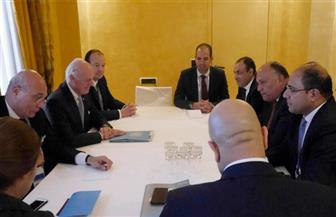 وزير الخارجية يبحث مع دي ميستورا سبل الدفع بالحل السياسي في سوريا
