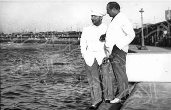موسيقار الأجيال محمد عبد الوهاب في صور نادرة تعود إلي عام 1937