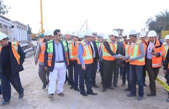 وزير النقل يتابع أشغال محطة عدلي منصور بالخط الثالث للمترو والقطار الكهربائي | صور
