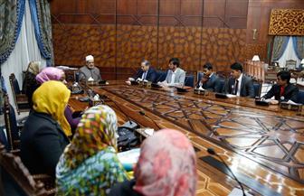 الإمام الأكبر لبرلمان الطلاب الوافدين: رسالة الطالب الأزهري هي السلام للعالم كله | صور