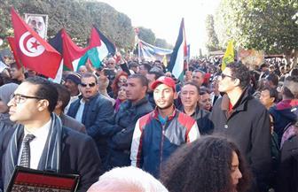 محتجون يتجمعون لليوم الثاني بالعاصمة التونسية لتجريم التطبيع مع إسرائيل