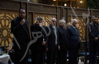 فاروق حسني وعزت العلايلي ولبلبة في عزاء الناقد علي أبو شادي | صور