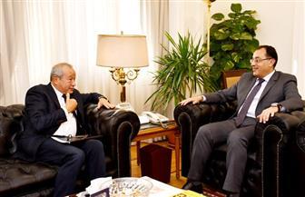 وزير الإسكان يستقبل نجيب ساويرس لمناقشة فرص الاستثمار العقاري بالمدن الجديدة