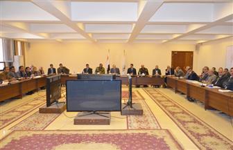 محافظ بني سويف يلتقي لجنة مراجعة مطالب منطقة كوم أبو راضي الصناعية| صور