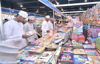 إقبال كبير على أجنحة دور النشر المصرية في معرض مسقط الدولي للكتاب