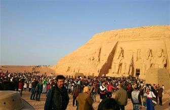 وزيرة السياحة تشارك في احتفالات ظاهرة تعامد الشمس على وجه رمسيس الثاني | صور
