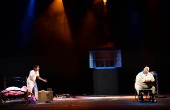 """""""فردة دماغ"""" يفتتح مهرجان دبا الحصن للمسرح الثنائي بالإمارات"""