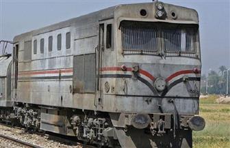 السكة الحديد: وفاة قائد دراجة نارية ومرافقه صدمهما قطار أسوان