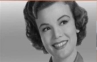 وفاة الممثلة الأمريكية نانيت فابراي عن 97 عاما
