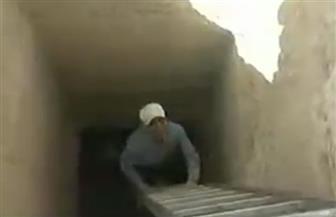 العناني يعلن عن كشف أثري جديد بالمنيا.. ووزيري: عثرنا على 8 مقابر