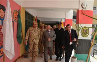 محافظ الإسماعيلية ورئيس الدفاع الشعبي يتفقدان مدرسة الفاروق عمر الثانوية العسكرية | صور
