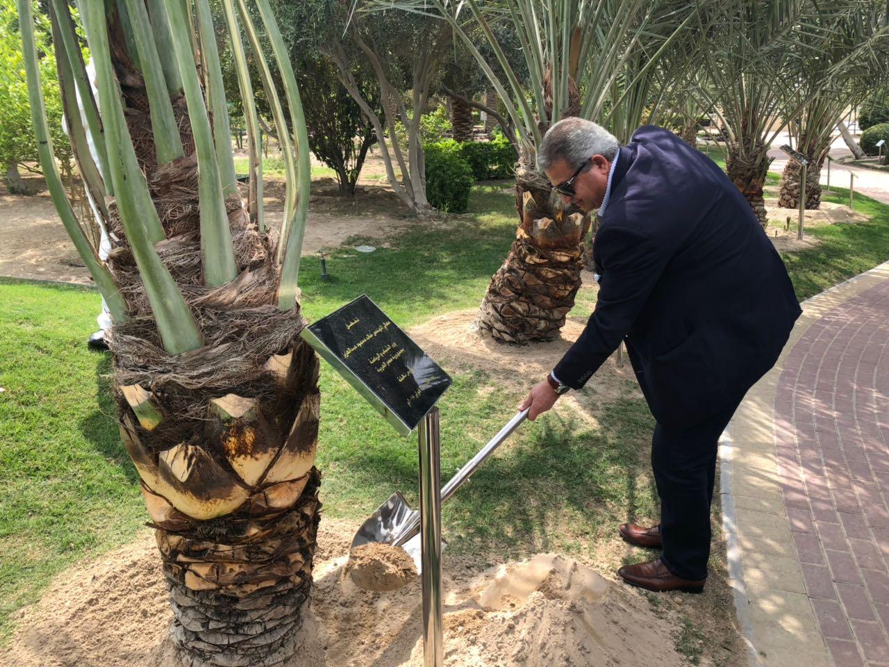 المهندس خالد عبدالعزيز وزير الشباب والرياضة بالبحرين