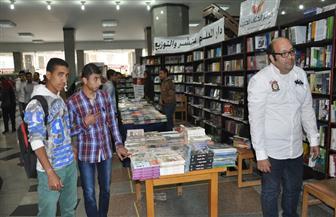 رئيس جامعة حلوان: الكتاب والثقافة السلاح الأقوى للطالب | صور