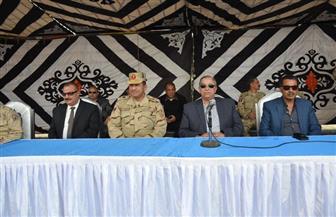 محافظ الإسماعيلية ورئيس الدفاع الشعبي يتفقدان عرض اصطفاف التعامل مع الأزمات | صور