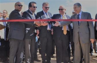 رئيس أكاديمية البحث العلمي يكشف مميزات مشروع محطة الطاقة الشمسية ببرج العرب | صور