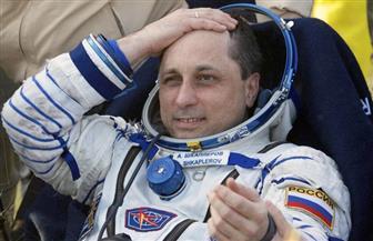 رائدا فضاء يستبدلان هوائيا بمحطة الفضاء الدولية أثناء مهمة سير قياسية