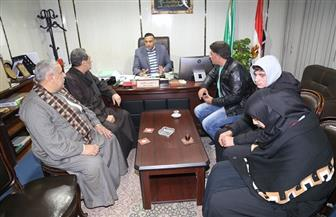 سكرتير عام محافظة المنوفية يستقبل أسرة حادث أسانسير مستشفى بنها الجامعي   صور