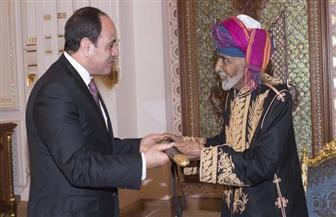 السلطان قابوس يقيم مأدبة عشاء على شرف الرئيس السيسي.. ويتبادلان الهدايا التذكارية| صور