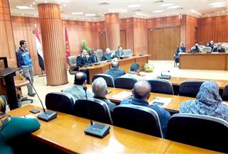 """محافظ بورسعيد يناشد المواطنين التعاون في عمليات حصر """"منظومة التأمين الصحي الشامل"""""""