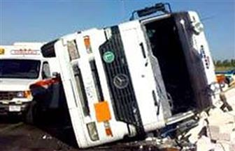 إصابة 3 أشخاص في انقلاب سيارة لوري تابعة لأمن دمياط