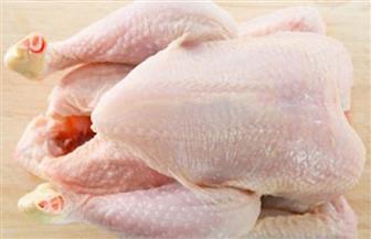 """استشاري تغذية علاجية: خشونة الجلد دليل على صلاحية """"الدجاجة المجمدة"""""""