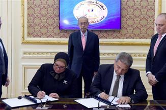 """رئيس الوزراء يشهد توقيع اتفاقية تعاون بين """"الشباب والرياضة"""" و""""تنمية المشروعات المتوسطة والصغيرة"""""""