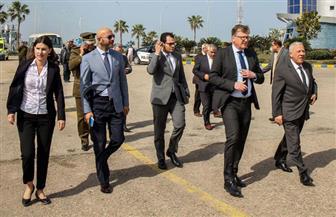 رئيس السكة الحديد يفاجئ محطة الشرق بالقاهرة ويستقل كابينة جرار القطار 901 | صور