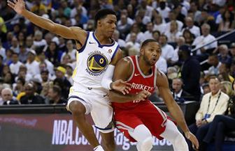 جيمس يقود ليكرز لفوز جديد في دوري السلة الأمريكي