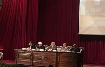 رئيس جامعة القاهرة: مصر تقود حروبا للتنمية وأخرى ضارية ضد الإرهاب
