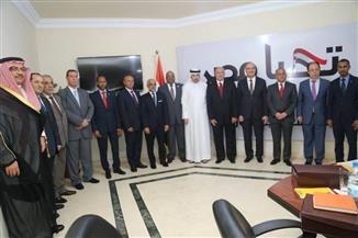سفراء البحرين والأردن والعراق والإمارات وفلسطين وتونس وليبيا وسلطنة عمان ولبنان يزورون الحملة الرسمية للرئيس