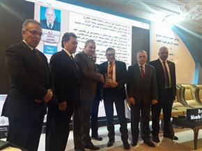 مؤتمر لتكريم قيادات أمراض الباطنة بجامعة الأزهر | صور