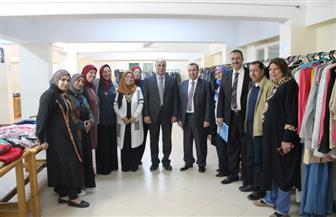 معرض خيري للملابس الجاهزة بجامعة كفرالشيخ | صور