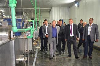 محافظ الإسماعيلية يتفقد 5 مشروعات استثمارية بالمنطقة الصناعية