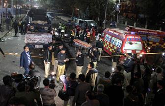 مقتل 4 شرطيين ومدنيين اثنين في انفجار في لاهور الباكستانية