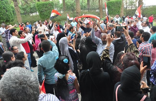الانتخابات الرئاسية.. المصريون بالخارج يتوافدون بكثافة للإدلاء بأصواتهم بالسفارات والقنصليات 2018-636568200785216645-521