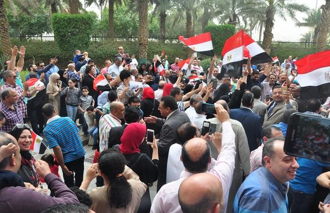 الانتخابات الرئاسية.. المصريون بالخارج يتوافدون بكثافة للإدلاء بأصواتهم بالسفارات والقنصليات 2018-636568201083118168-311