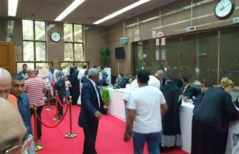 إقبال كثيف من الناخبين بالإمارات على المشاركة في الانتخابات الرئاسية | صور