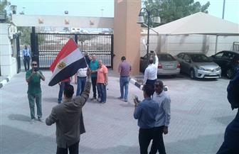 قطر تمنع تشغيل الأتوبيسات لتوصيل المصريين للإدلاء بأصواتهم فى انتخابات الرئاسة| صور