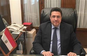 سفير مصر بالكويت يكرم أبناء الجالية أوائل الثانوية الكويتية