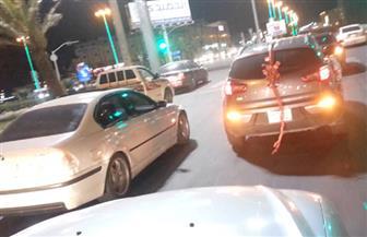 سباق سيارات موكب الزفاف يتسبب في مقتل أمين شرطة بالصف