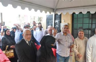 مصريون بالأردن يحتفلون أمام مقر الانتخابات بعد التصويت | فيديو
