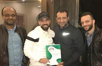 مرتضى منصور يعرض صور توقيع عبد الله السعيد للزمالك