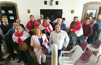 سفير مصر بجنوب إفريقيا يطالب الموظفين بإنهاء إجراءات التصويت سريعا بسبب الأحوال الجوية   صور