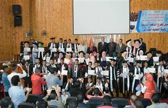 جامعة سوهاج تحتفل بتخريج الدفعة التاسعة من كلية التعليم الصناعي